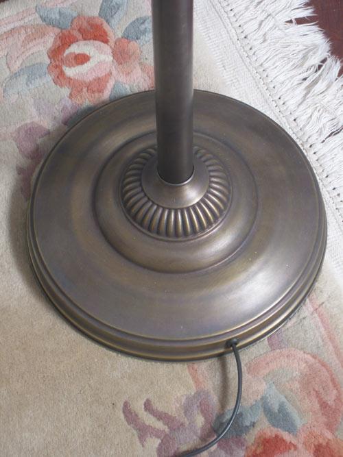 stehlampe neu messing jugendstil 2flammig mit bogen glas cognacfarben ebay. Black Bedroom Furniture Sets. Home Design Ideas